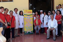 Khám bệnh & phát thuốc miễn phí cho người mù tỉnh An Giang và các vùng lân cận tỉnh Đồng Tháp tại chùa Long Quang huyện Phú Tân, tỉnh An Giang