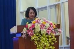Chủ tịch Hội nữ doanh nhân An Giang phát biểu tại Hội trường Thành Ủy Châu Đốc
